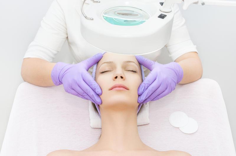 Лечебные и косметические процедуры при акне